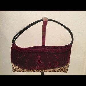 Clever carriage company velvet bag